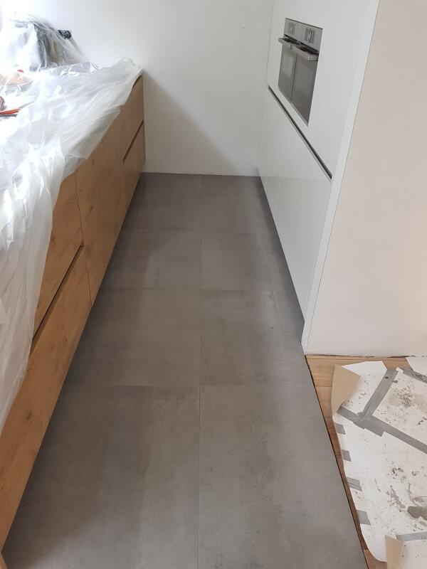 Vloertegels Voor Keuken.Vloertegels Keuken Nicky S Tegelwerken Breda